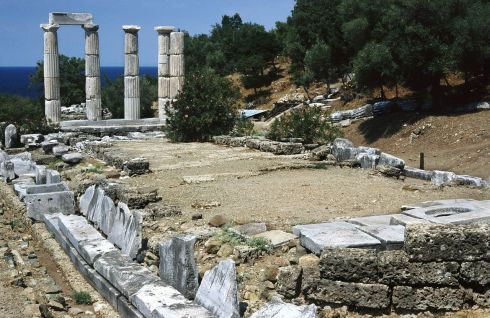 1280px-20020800_Sanctuary_of_the_Great_Gods_Palaiopolis_Samothrace_island_Thrace_Greece