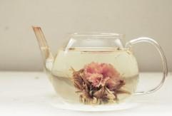 Blooming-Tea-Strawberry-Jasmine-640x433